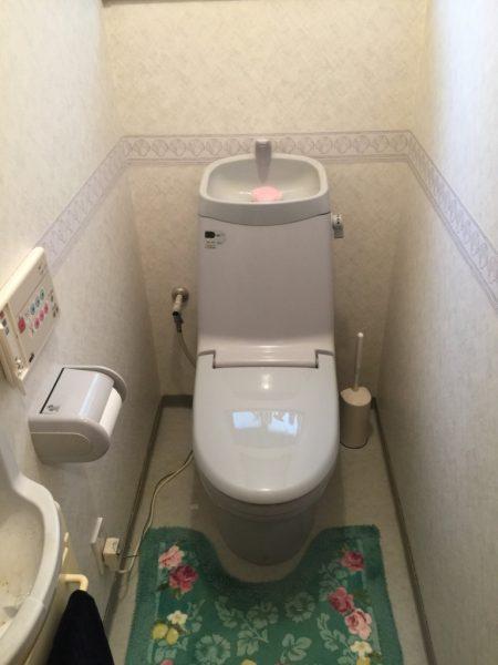 トイレ2階ビフォア