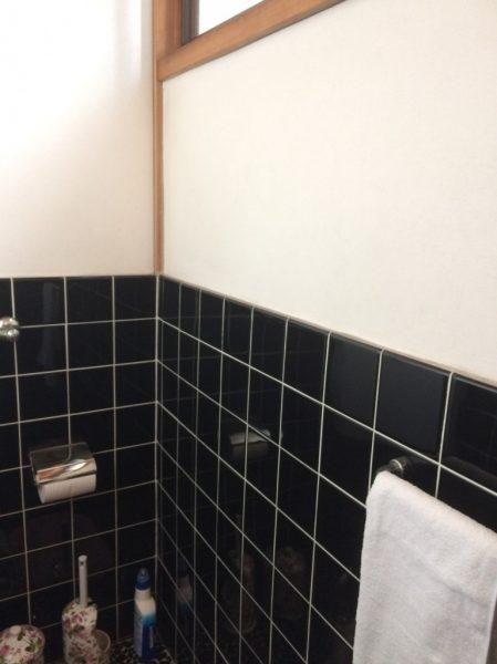 トイレ壁ビフォア