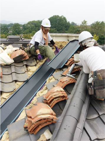 屋根の上修繕