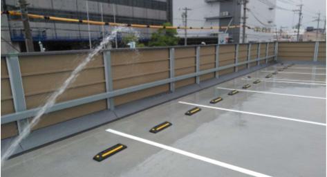 スラブ隙間雨水侵入対策-放水確認