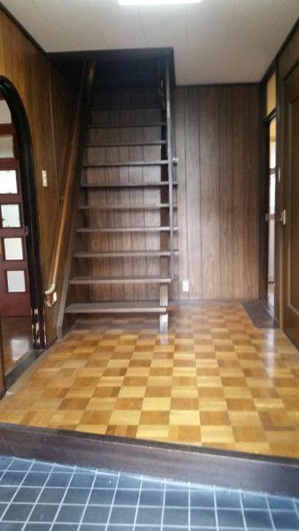 M様邸階段ビフォア