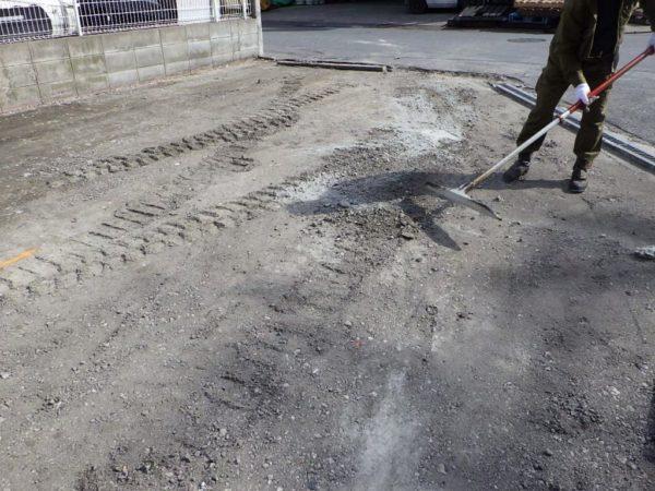 K様駐車場ビフォア